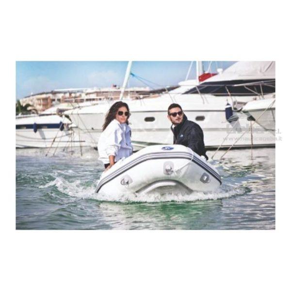 foto esempio tender gommone barca avvolgibile gonfiabile eurovinil nautico, da pesca, trasporto persone. Acquisto online.